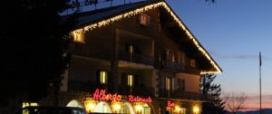 hotel Des Alpes notturno