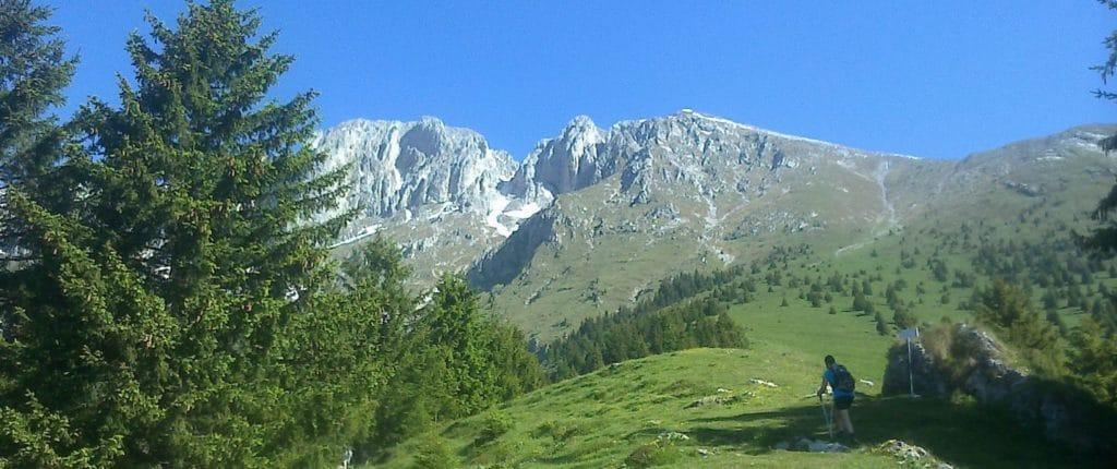 (Italiano) La Presolana, vista dall'imbocco del sentiero per la cima del Monte Visolo
